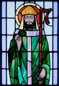 Kilbennan_St._Benins_Church_Window_St._Patrick_Detail_2010_09_16