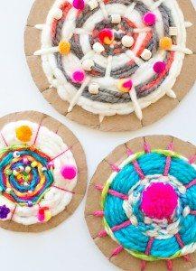cardboard-circle-weaving-kids