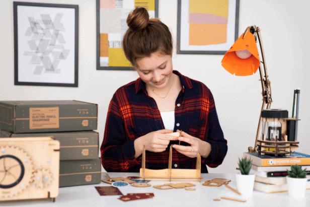 teen building Eureka Crate project